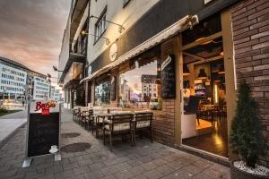 Le Petit - Caffe & Bar & Food