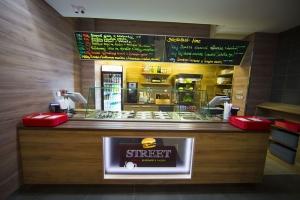 Street menu, burger & more