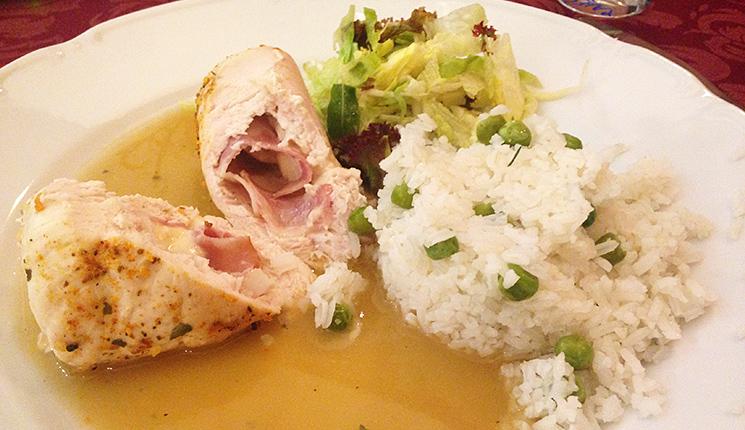 Hotel Dália Košice - reštaurácia - obedové menu - plnené kuracie prsia s ryžou