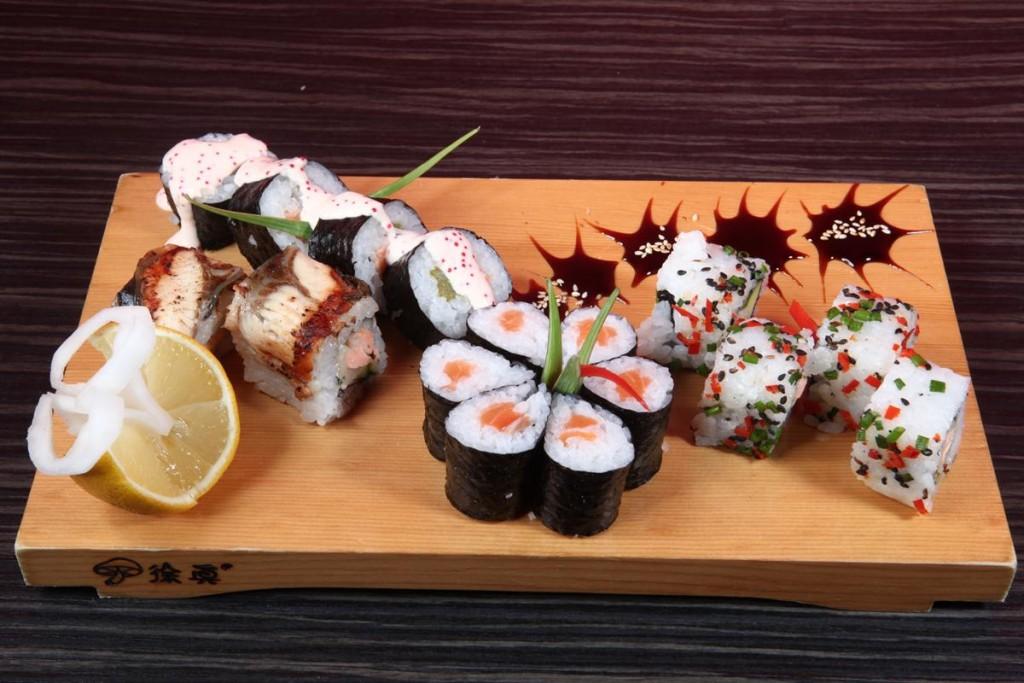reštaurácie v Pezinku - Sushi set v Ai Sushi Pezinok