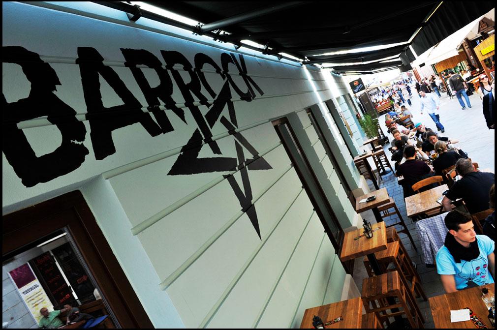 Živá hudba v Bratislave - Barrock - jeden z trojice podnikov so živou hudbou na Sedlárskej ulici