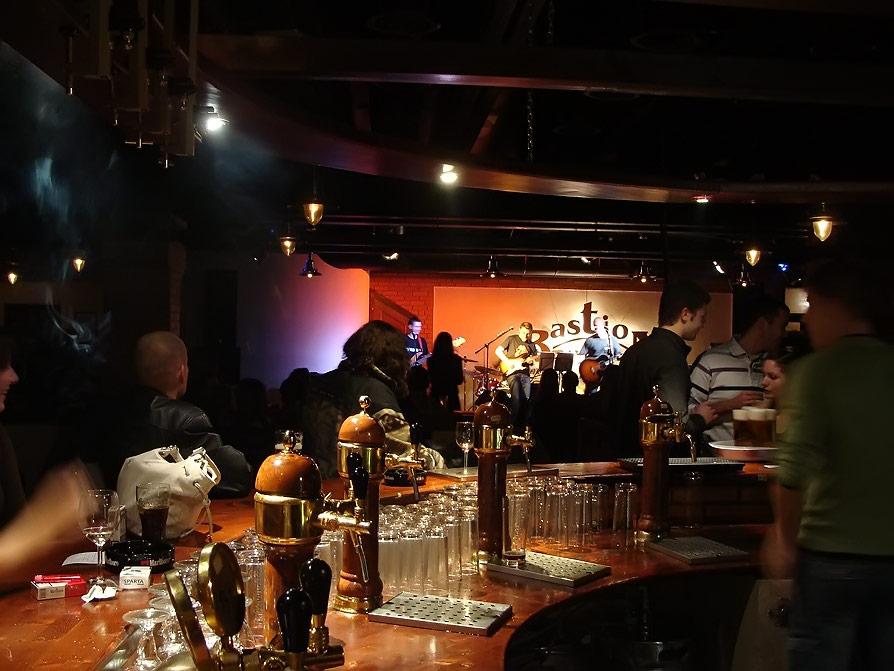 Živá hudba v Bratislave - Bastion Pub na Trnavskom mýte patrí k najväčším reštauráciám so živou hudbou <br>