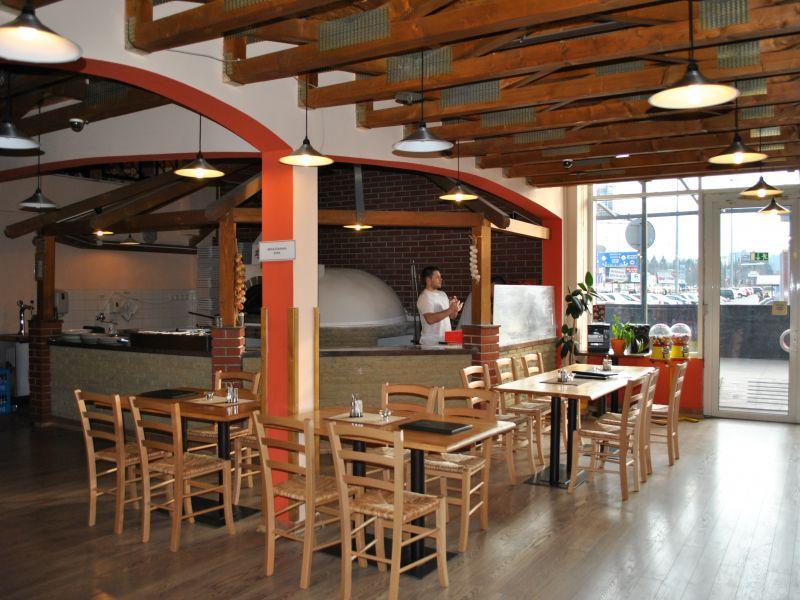 Pizzérie v Žiline: Pizzéria Padrone je ladená do dreveného štýlu