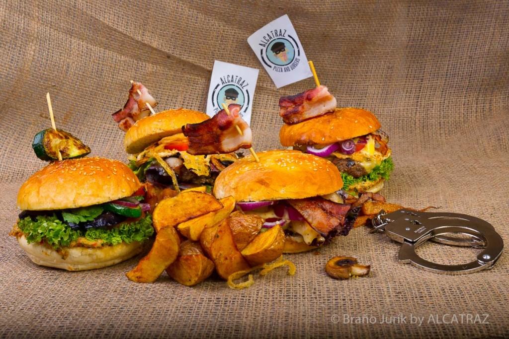 domáci burger v Trenčíne: Burger aj s vlajočkou reštaurácie Alcatraz