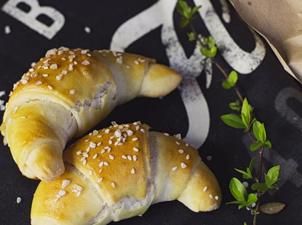 slovenské foodblogy #1: Raňajky či večera pre milovníkov pečiva - rožteky plnené sušenými paradjakami a mozzarellou
