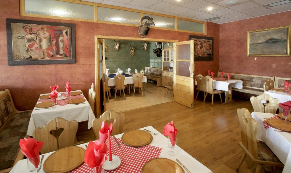 promócie v Bratislave: Hotel Dominika, Vlastenecké námestie 3, 851 01 Bratislava, foto: www.hoteldominika.sk/#prettyPhoto