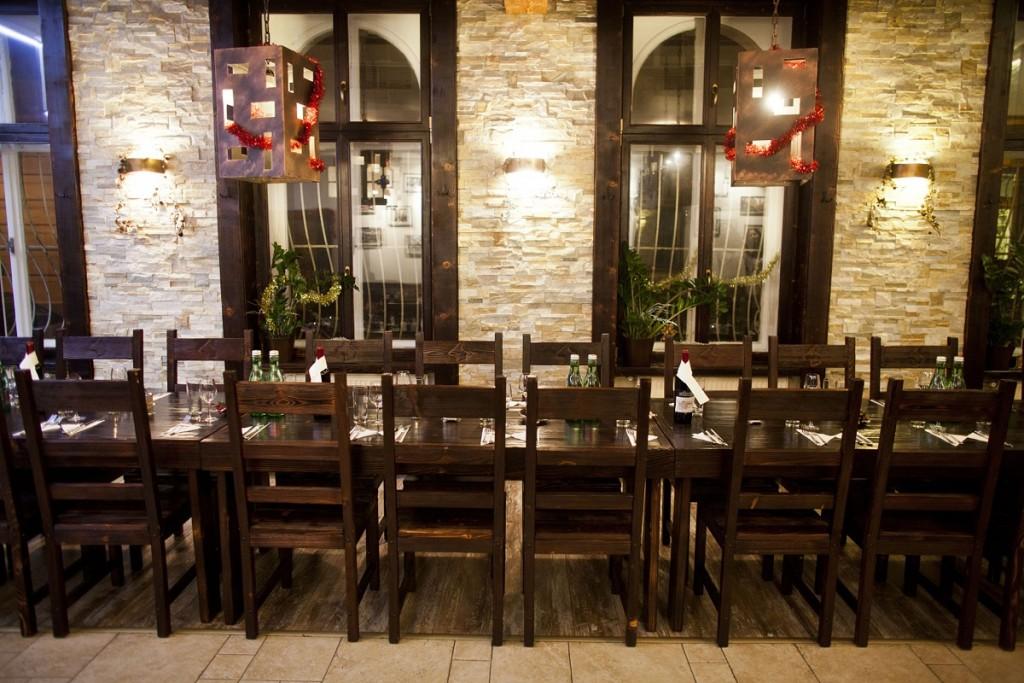 promócie v Bratislave: Reštaurácia Kozia brána, Kozia 21, 811 03 Bratislava-Staré Mesto, foto: koziabrana.sk/sk/o-restauracii/interier/