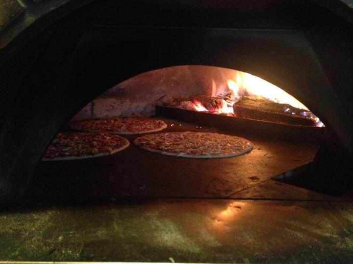 Corleone: V reštauráciách ponúkajú 56 rôznych druhov pízz, foto: corleoneukmotra.sk