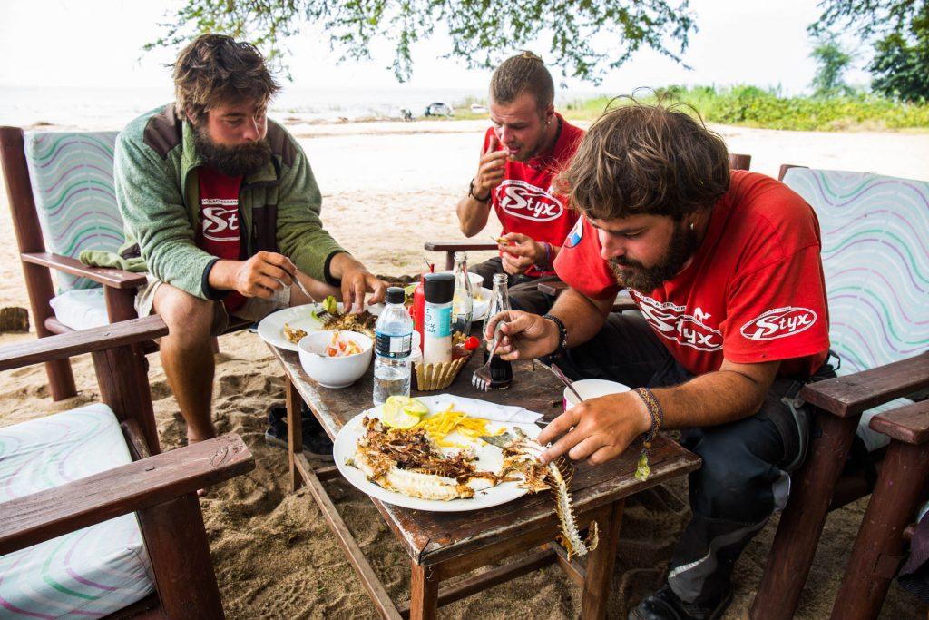 Afrika na pionieri: Ryba z jazera Malawi bola jednou z najväčších pochúťok celej expedície.