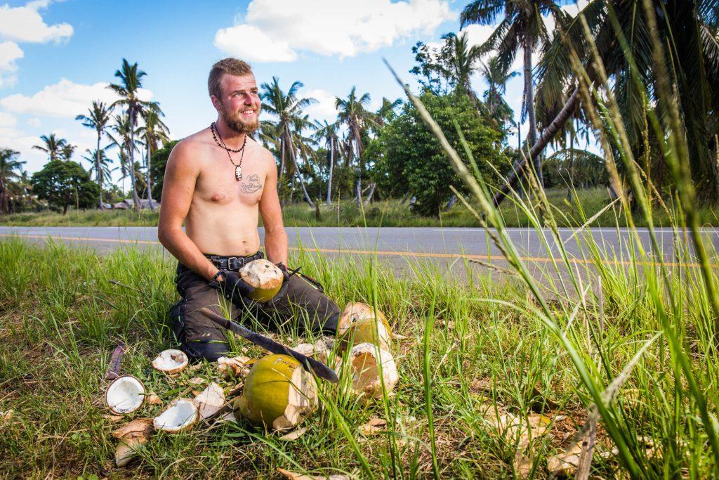 Afrika na pionieri: Ondrej a vynikajúce čerstvé kokosy.