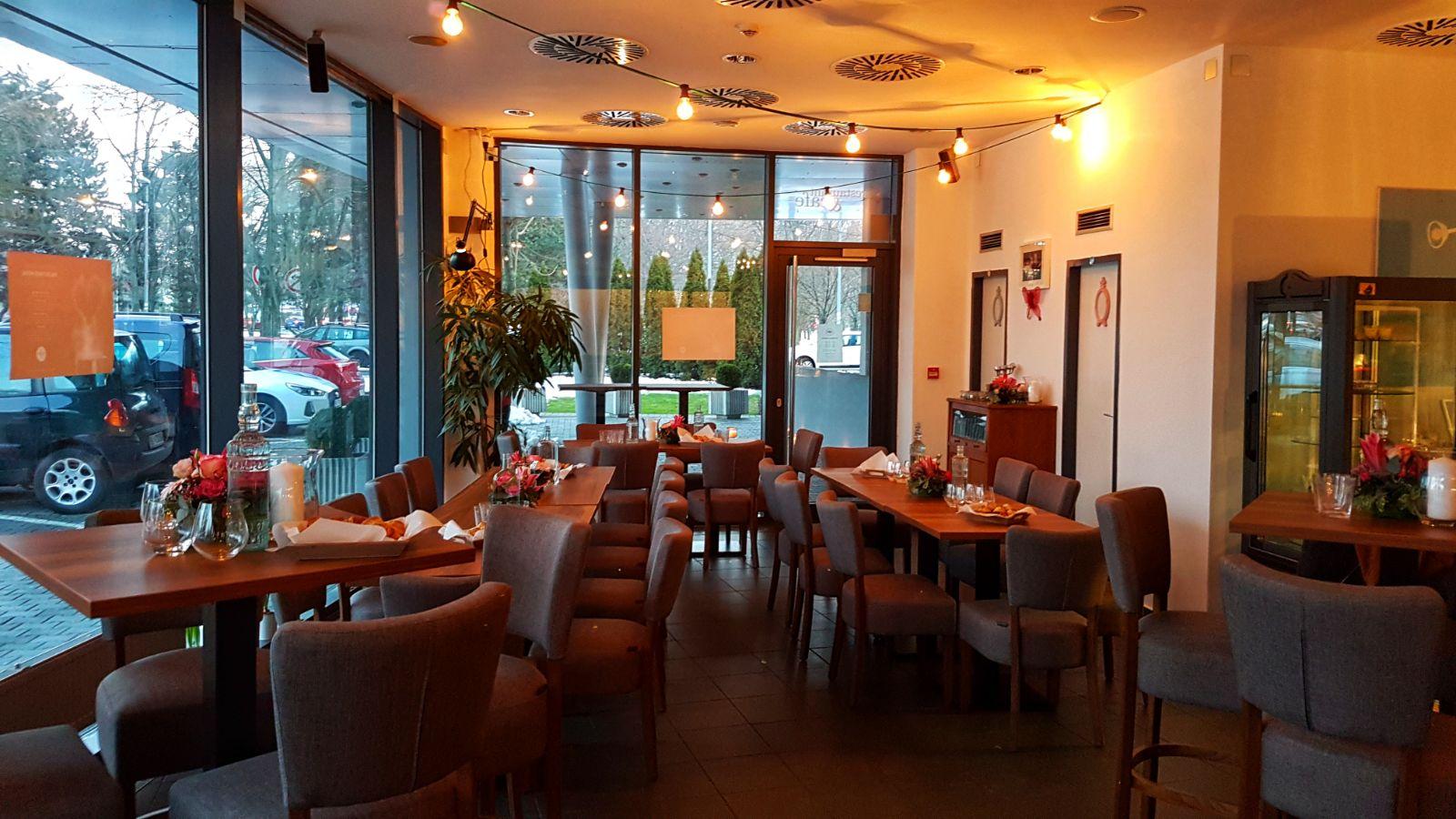 Zuzana Sabolová: Interiér reštaurácie zMenu, foto: archív Z. Sabolovej