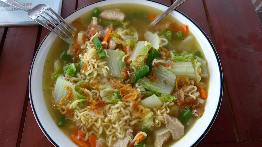 Kuracia polievka s rezancami - Bali, Indonézia, kuchyňa - Menučka magazín
