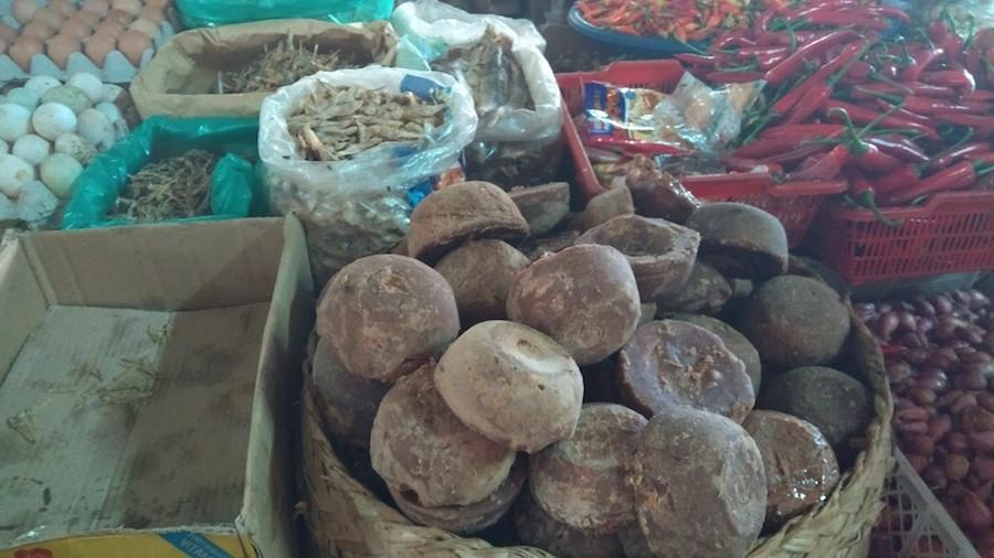 sušené rybičky, chilli a cukor -Bali, Indonézia - menučka magazín