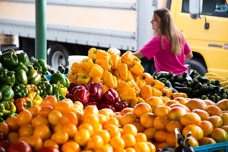ekologické varenie: Nakupovanie na lokálnom trhu je výbornou alternatívou k supermarketom, foto: pixabay.com