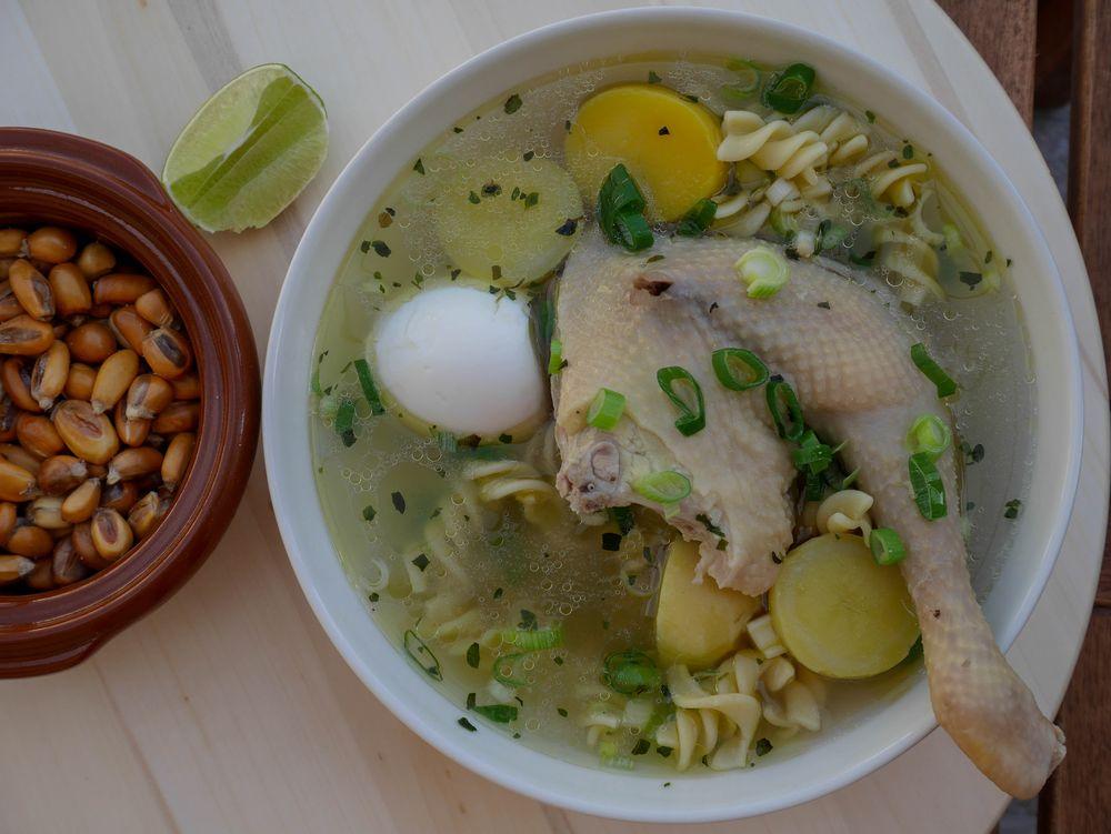 Peruánska kuchyňa slepačia polievka