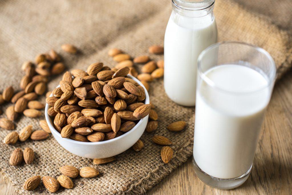 Mlieko a mandle